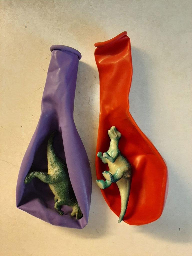 Ballons et dinosaures